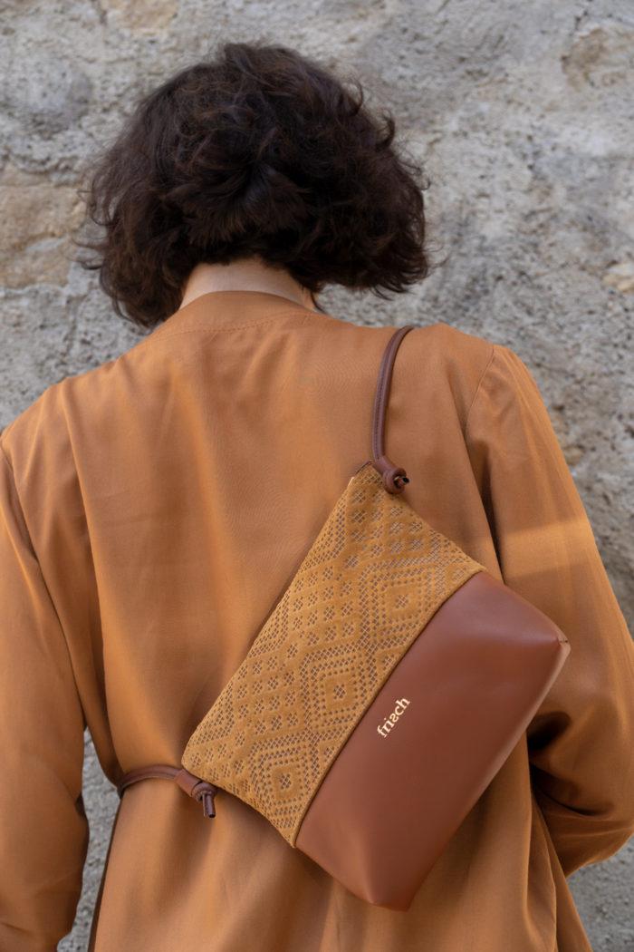 braune Handtasche Boho aus Leder mit Muster
