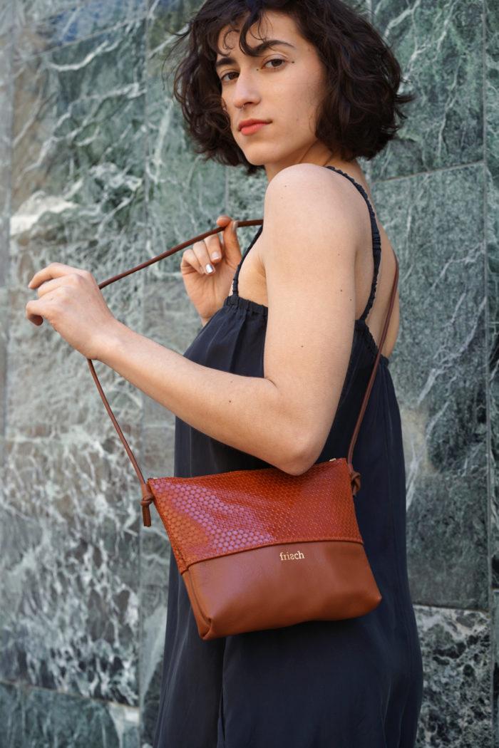 Braunrote kleine Handtasche von frisch Beutel zum Umhängen