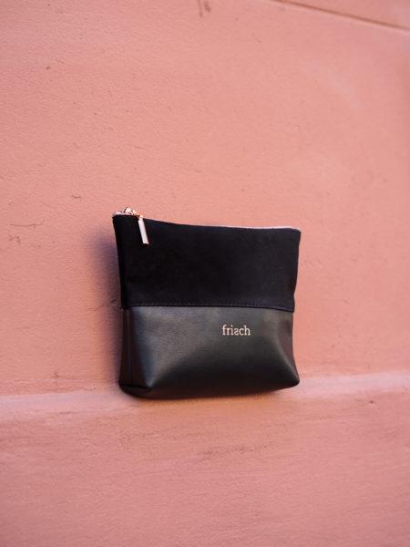 Kleines Etui aus Leder von frisch Beutel aus samtigem Leder in schwarz für Schminke oder Schmuck