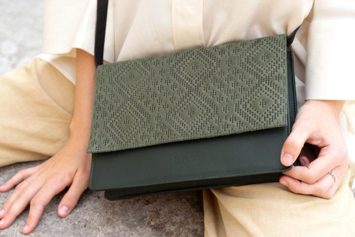 Schöne Handtasche in dunkelgrün von frisch Beutel