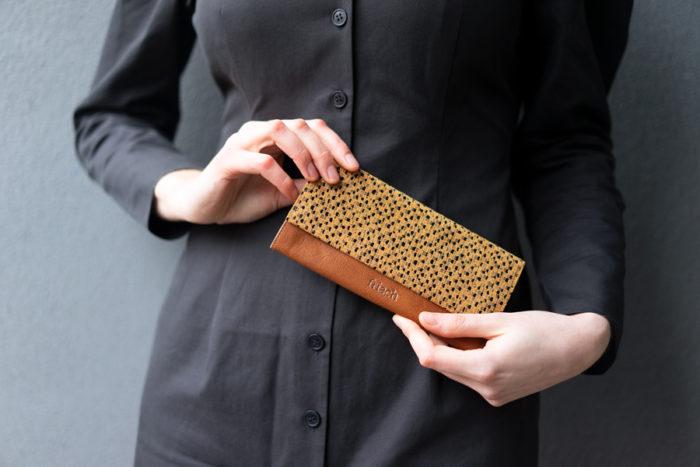 Portemonnaie in braun und gelb von frisch Beutel